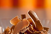 Brown chocolate flakes (close up)