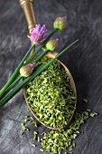 Dried chives
