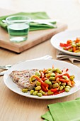 Tuna steak with a bean and pepper medley