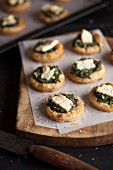 Puff pastry tartlets with spinach and feta