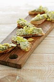 Crostini with chicken and celery