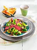 Warmer Rosenkohlsalat mit Roastbeef