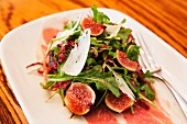 Rocket salad with figs, Parma ham and Parmesan