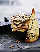 Crispy unleavened bread with sesame and sunflower seeds