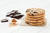 A stack of chocolate and cinnamon cookies ingredients