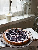Blueberry cake with lemon cream