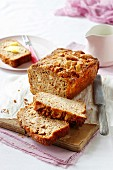 Apple bread with cinnamon