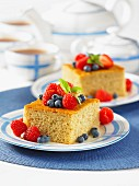 Yogurt cake with berries