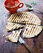Gegrillte Quesadillas mit Ziegenkäse