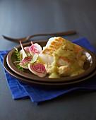 Kabeljau mit Rote-Bete-Salat, Blumenkohl und Sauce Hollandaise