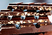 Dark chocolate with crispy nougat