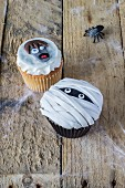 Two cupcakes (Frankenstein and a Mummy) for Halloween