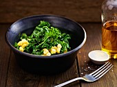 Green kale salad with an apple and lemon dressing