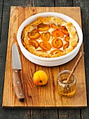 Puff pastry cheesecake with apricots