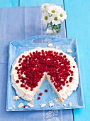 Meringue cake with cream and redcurrants