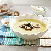 Hamburg parsley soup with sautéed porcini mushrooms