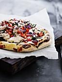 Spelt pizza with chicken, spinach and mozzarella