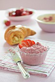 Strawberry cream with couscous