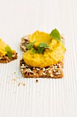 Crispbread with chickpea cream