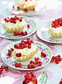 Redcurrant tartlets with mascarpone