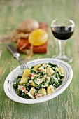 Warm green kale salad with potatoes