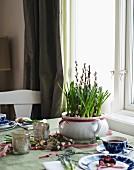 Gedeckter Tisch für den Muttertag