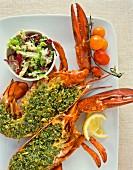 Hummer mit Kräuterfüllung und Salat