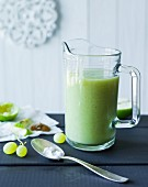 Grashopper: a green smoothie made with lemon, lime, grapes and kiwi