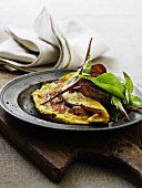 Ham omelette with lettuce