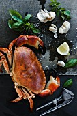 Crab with garlic, lemon and herbs