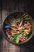 A legume salad with artichokes