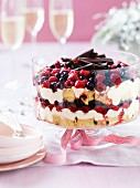 Trifle with panettone, berries and chocolate