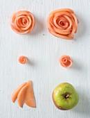 Rosenblüten aus Apfel