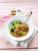 Linguine with broccoli and pistachio cream