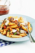 Penne with aubergines and goat's cheese