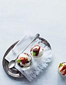 Quick quark cream with strawberries