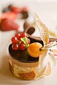 Tortino al gianduia (Nougattörtchen mit Früchten, Italien)