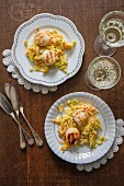 Fried scallops with white wine, leeks and carrots