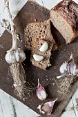 Wholemeal bread with garlic
