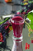 A berry smoothie with redcurrants