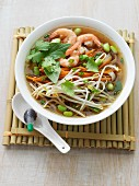 Pho with prawns and bean sprouts