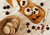 Oat cakes with goat's cheese and fresh cherries