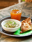 Marinierte Auberginen mit Pitabrot-Chips