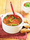 Toskanische Bohnensuppe mit Basilikum