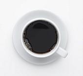 Schwarzer Kaffee in einer Tasse