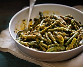 Green beans with mustard sauce and herbs