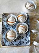 Caramel meringues with sea salt