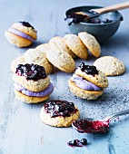 Blueberry whoopies with poppyseeds