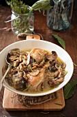 Pollo alla boscaiola (Hähnchen mit Pilzen, Italien)