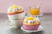 Lemon tart muffins with lemon curd and meringue